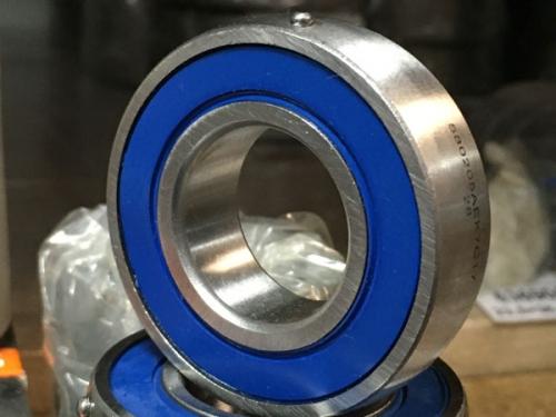 Подшипники шариковые радиальные однорядные с двумя уплотнениями со сферической наружной поверхностью наружного кольца (580xxx)