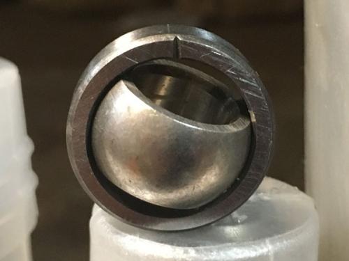 Подшипники шарнирные без отверстий и канавок для смазки с одноразломным наружным кольцом (ШПхх)