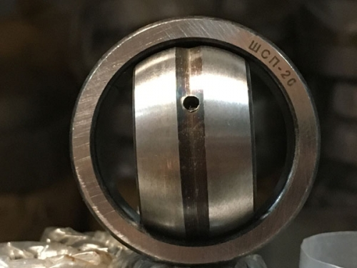 Подшипники шарнирные с отверстиями и канавками для смазки во внутреннем кольце с одноразломным наружным кольцом (ШСПхх)